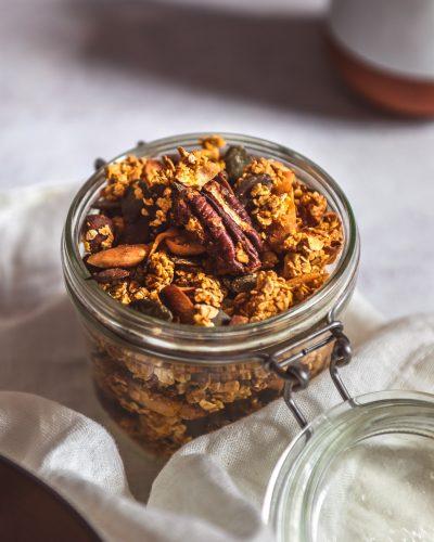 granola carrot cake