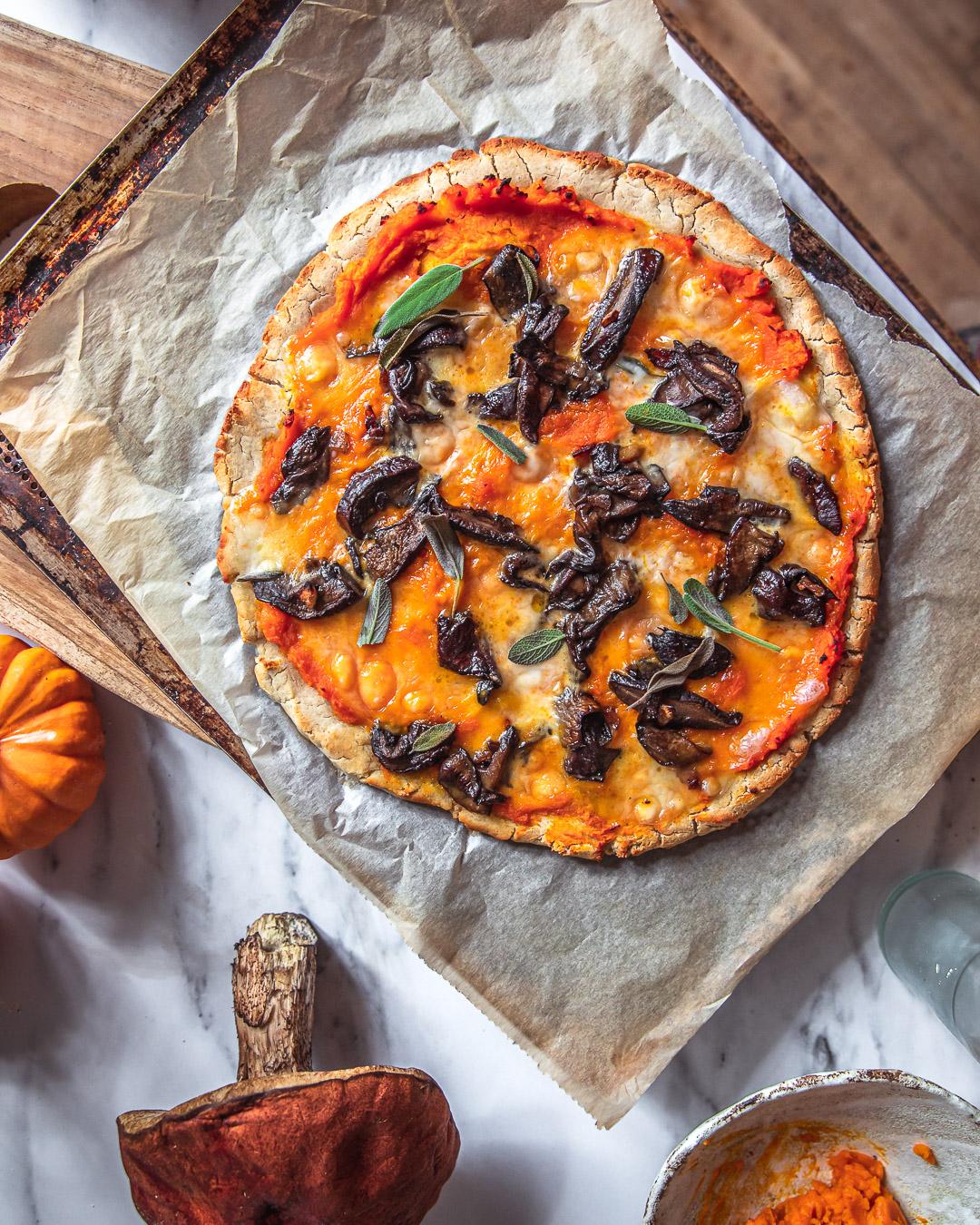 Pizza potimarron – cèpes – sauge – sauge