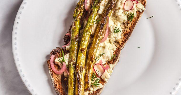 Vegan Egg & Asparagus Toast
