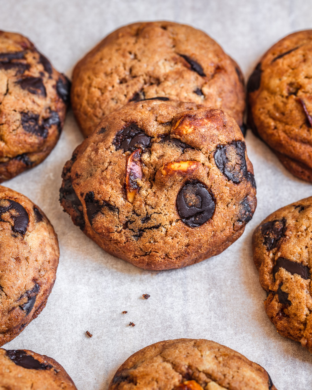 Caramelized Peanuts & Chocolate Chips Cookies